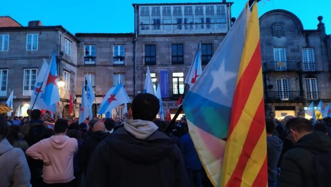 Concentración convocada por la plataforma 'Galiza con Catalunya' en Santiago de Compostela tras la sentencia del procés