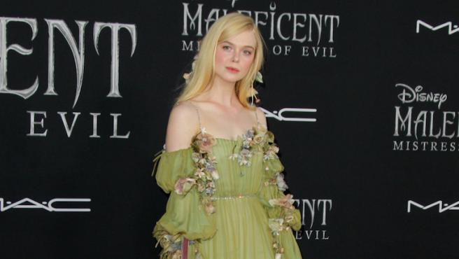 'Maléfica: Maestra del mal': Flores y sangre, el homenaje de Elle Fanning a la Bella Durmiente