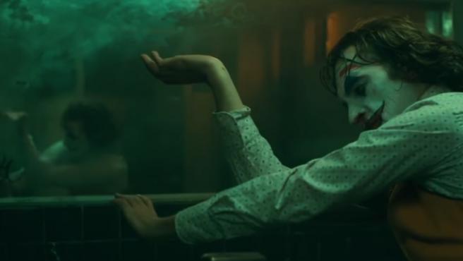 El 'Joker' de Joaquin Phoenix baila tan bien que ha fascinado a esta crítica de danza