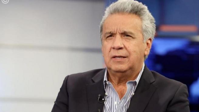 Moreno deroga el decreto que aumentó el precio del combustible.