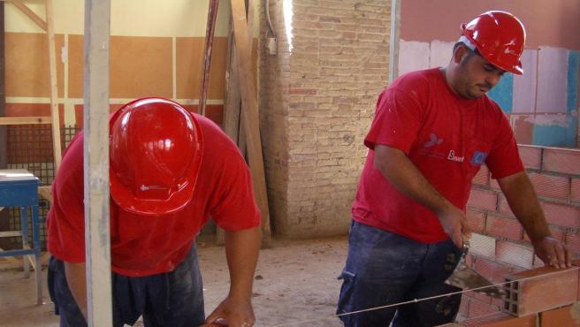 Trabajos de construcción, obra, albañiles.