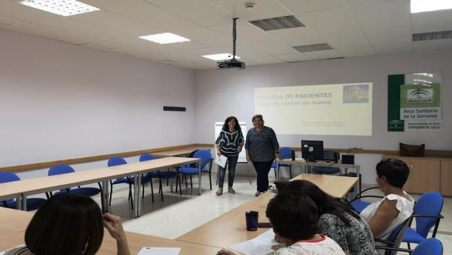 Nuevo taller del Aula de Cáncer de Mama de la Escuela de Pacientes para Ronda y la comarca