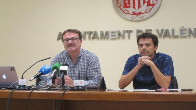 Guiseppe Grezzi y el gerente de la EMT, Josep Enric García , en imagen de archivo