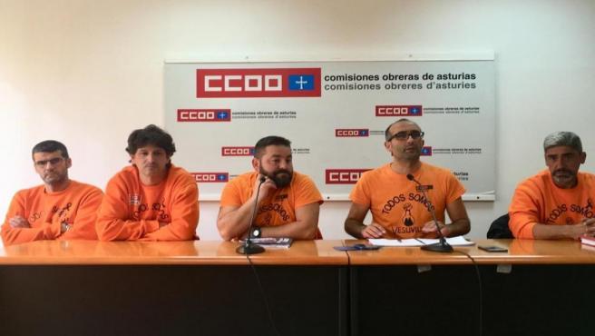 Rueda de prensa de Damián Manzano (CCOO) con representantes del comité de empresa de Vesuvius