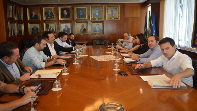 El alcalde de Cádiz con la delegada de Zona Franca