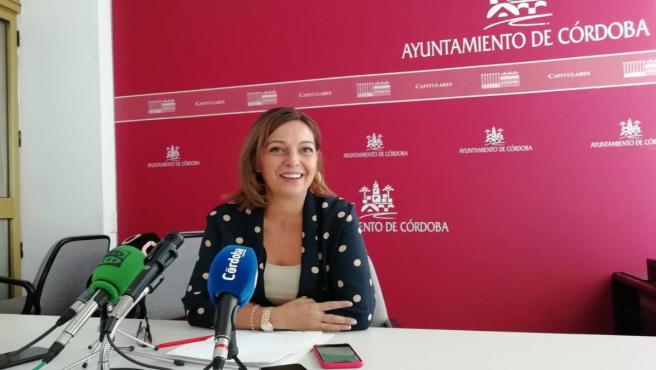 La portavoz del PSOE en el Ayuntamiento de Córdoba, Isabel Ambrosio, en una imagen de archivo.