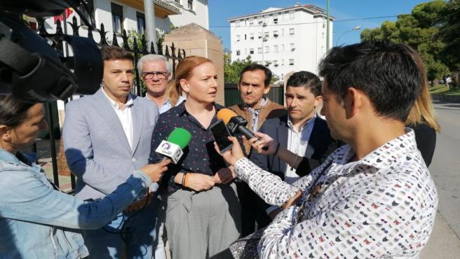 Marián Adán atiende a los medios de comunicación en Martos.