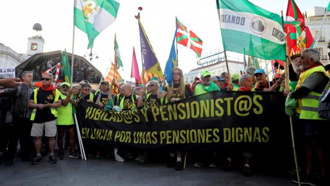 Las marchas de pensionistas llegan a Madrid reclamando pensiones dignas.