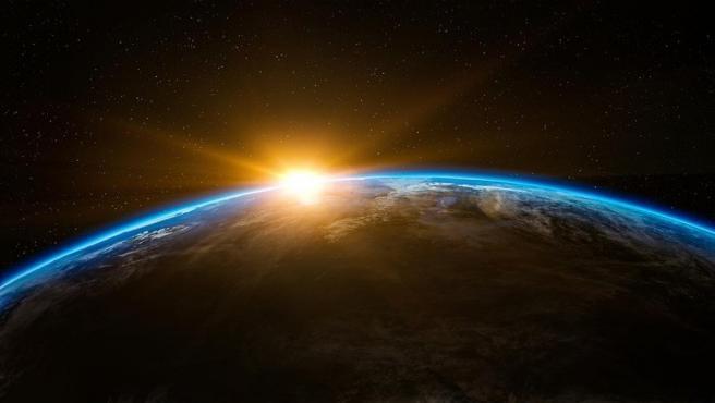 Recreación artística de una imagen de la Tierra vista desde el espacio.