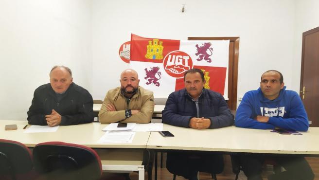 (De Izquierda A Derecha: Temprano, Lorenzo, Fierro Y Un Miembro De La Sección Sindical De UGT FICA En Gullón Durante La Rueda De Prensa.