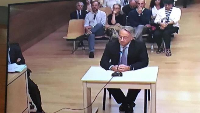 Vicente Sala hijo declara ante el juicio por el asesinato de su madre.