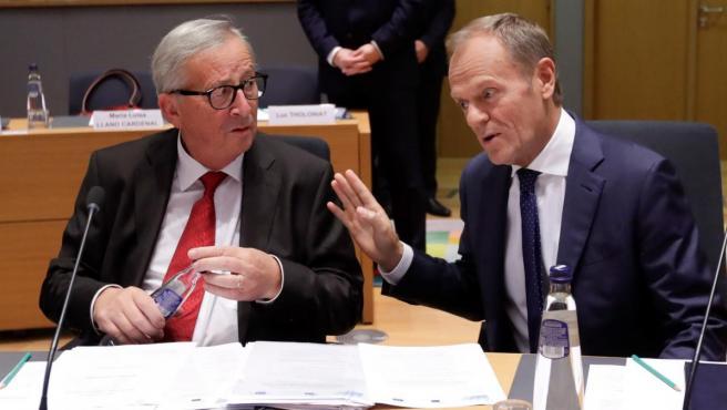 El presidente de la Comisión Europea, Jean-Claude Juncker, y el del Consejo Europeo, Donald Tusk.