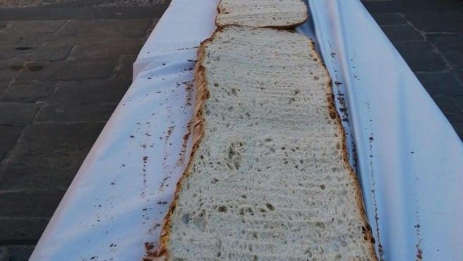 Tostada gigante en Úbeda para celebrar el Día Mundial del Pan