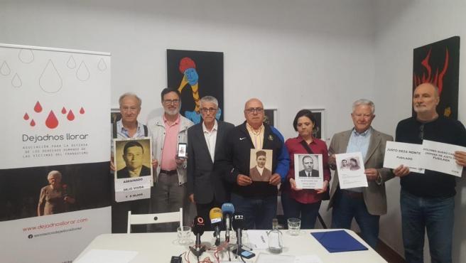 Antonio Deza (2º dcha.) en la presentación de la campaña de 'Dejadnos llorar'.