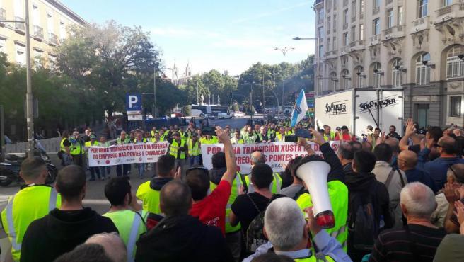 Concentración en Madrid de trabajadores de la central de Endesa de As Pontes