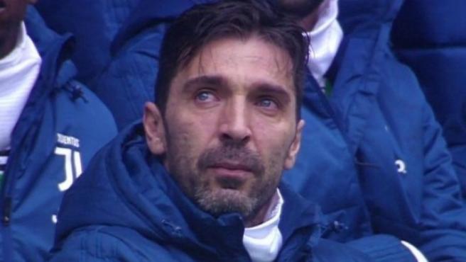 Buffon, conmovido en el homenaje a Astori.