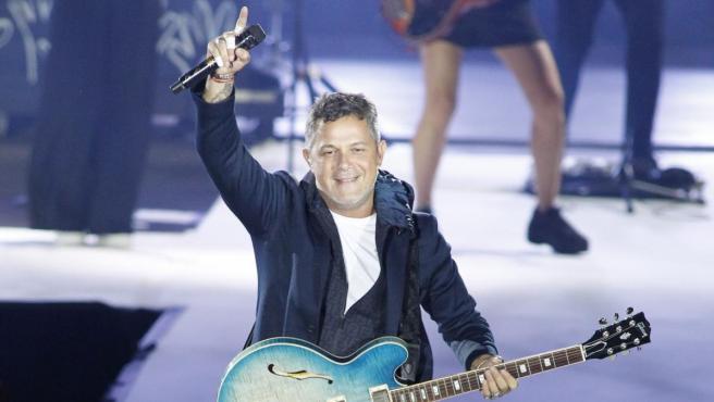 El cantante Alejandro Sanz durante un concierto de su gira estival.