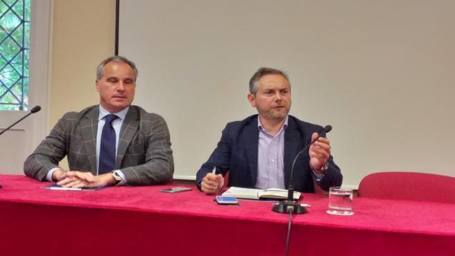 Alberto Rocha, asesor jurídico de la plataforma de auxiliares acreedoras de Barreras, y Enrique Mallón, secretario general de Asime.