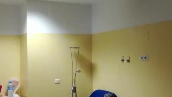 Rotura de una tubería en una de las salas de urgencias del Hospital Materno Infantil