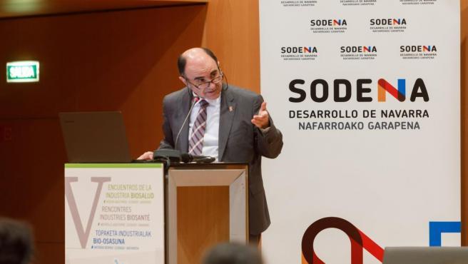 El consejero de Desarrollo Económico, Manu Ayerdi, interviene en el V Encuentro de la Industria Biosalud