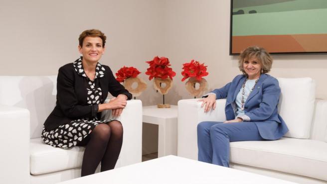 La presidenta del Gobierno de Navarra, María Chivite, y la ministra de Sanidad, Consumo y Bienestar Social en funciones, Mª Luisa Carcedo