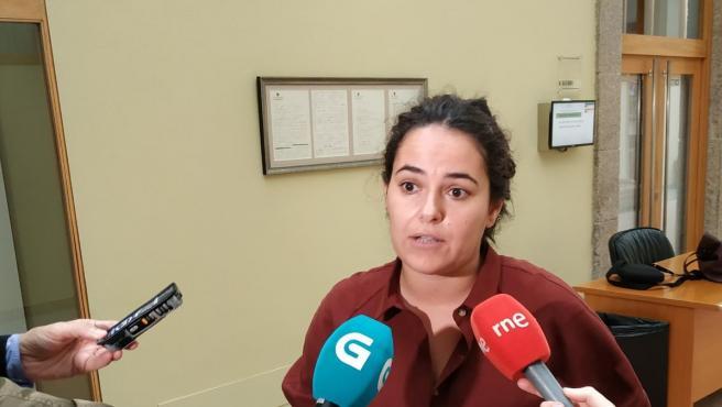 La diputada de Grupo Común da Esquerda Luca Chao en declaraciones a los medios