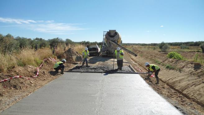 Trabajos en caminos rurales andaluces