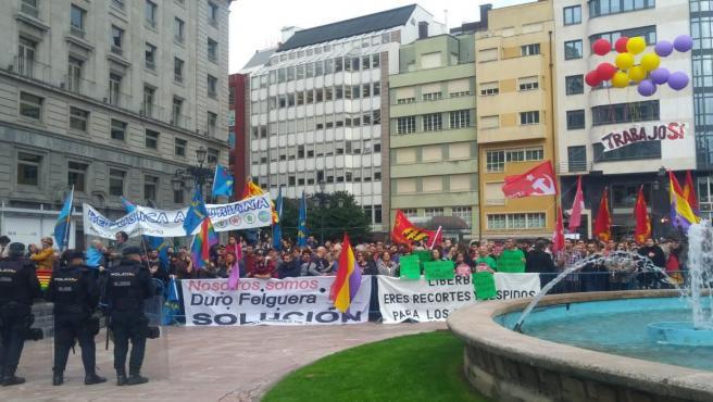 Manifestación contra los Premios Princesa de Asturias en la Plaza de la Escandalera de Oviedo.