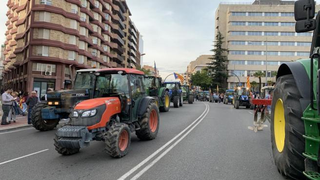 Imagen de la manifestación en Lleida durante la huelga general de este viernes