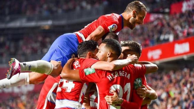 El Granada celebra una nueva victoria.