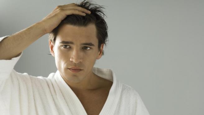 La caída del cabello es una de las principales preocupaciones en materia de imagen.