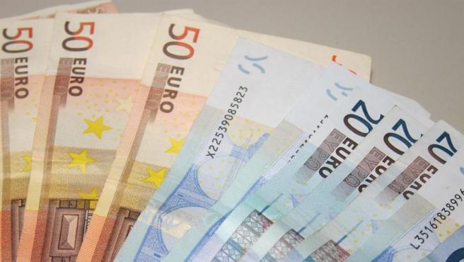 Imagen de archivo de billetes de 50 y 20 euros.