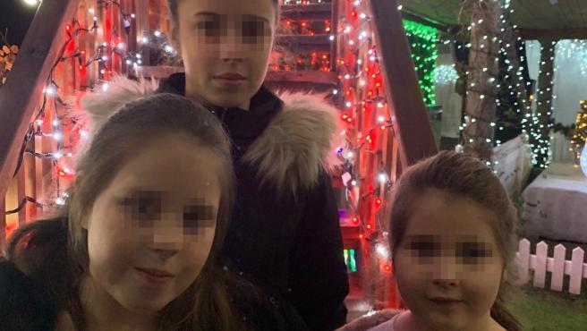 Las tres hijas menores de edad de Helen Robinson.