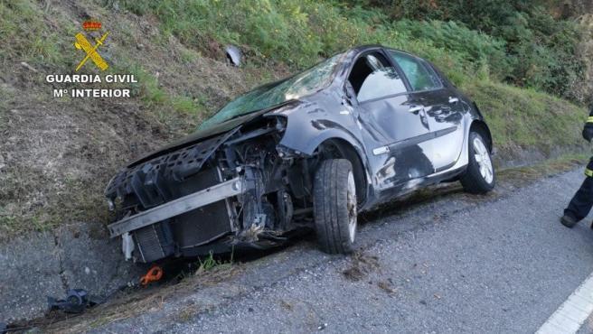 Imagen del vehículo tras el accidente.