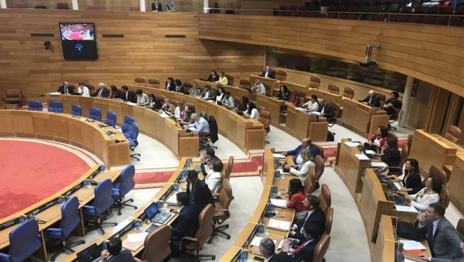 Imagen del hemiciclo del Parlamento de Galicia tras la ruptura del Grupo de En Marea y la marcha de cuatro diputados al Mixto