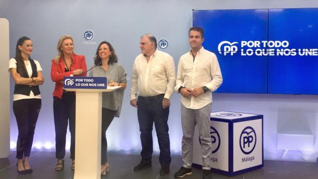 Las 'populares' Elisa Pérez de Siles, Carolina España y Patricia Navarro en rueda de prensa.
