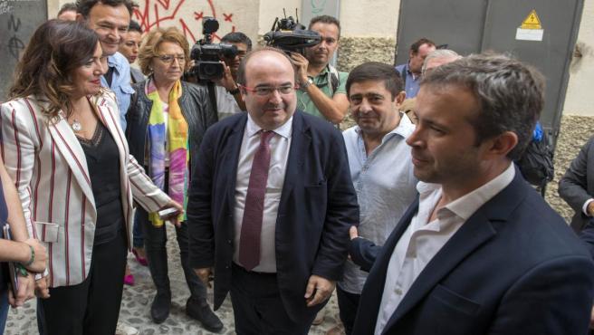 El primer secretario del PSC, Miquel Iceta, llegando a la reunión del Comité Electoral Local del PSOE. En la sede local del PSOE, en Jaén (España) a 19 de octubre 2018.