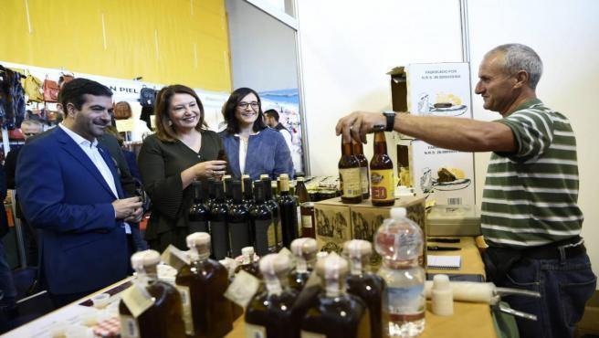La parlamentaria autonómica del PP-A y consejera de Agricultura, Ganadería, Pesca y Desarrollo Rural, Carmen Crespo, este sábado en Loja