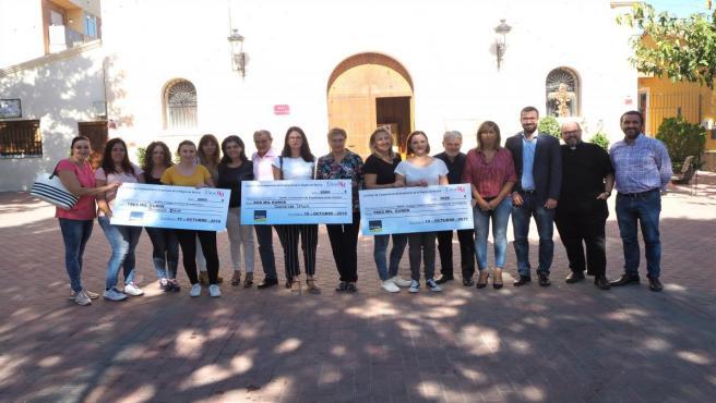 Ucomur y Ucoerm hacen entrega de los 2.500 kg de alimentos y 21.000 euros a los colegios de Los Alcázares y El Raal más afectados por la DANA
