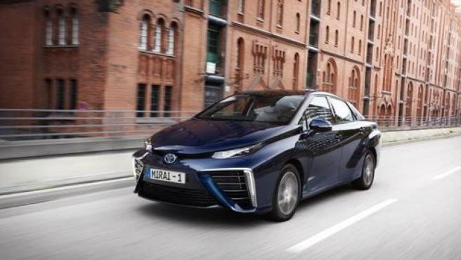 Toyota Mirai ofrece una autonomía superior a los 500 kilómetros.