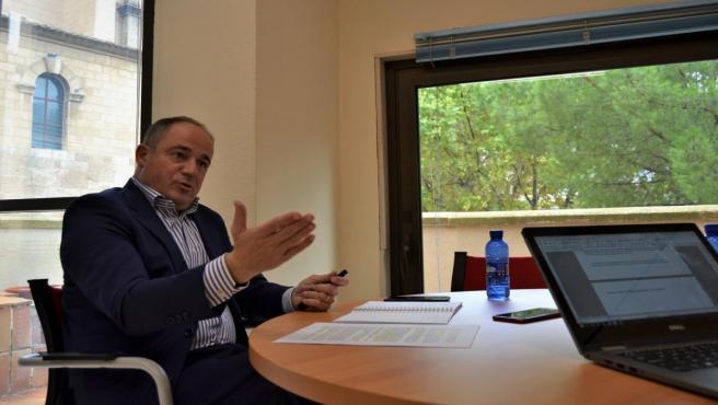 El vicealcalde de Albacete, Emilio Sáez, es entrevistado en Europa Press