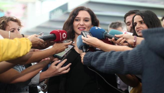 Isabel Díaz-Ayuso en declaraciones a los medios (Imagen de archivo)