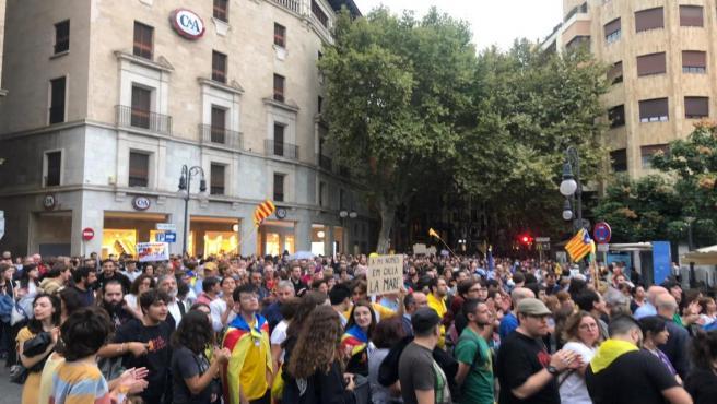 Cerca de 2.000 personas se manifiestan en Palma en contra de la sentencia del 'Procés'