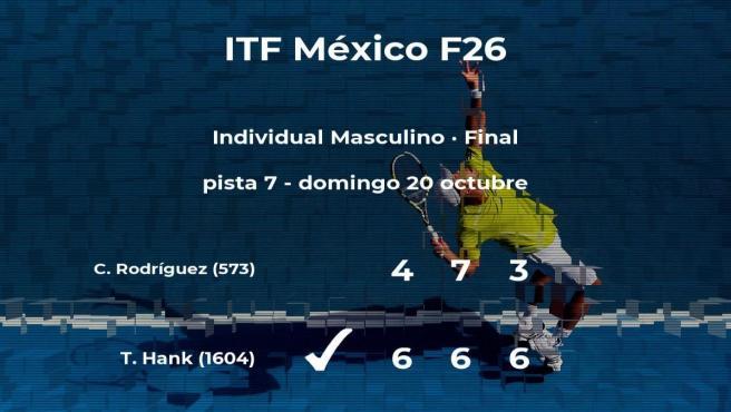 El tenista Tigre Hank vence en la final del torneo de Cancún