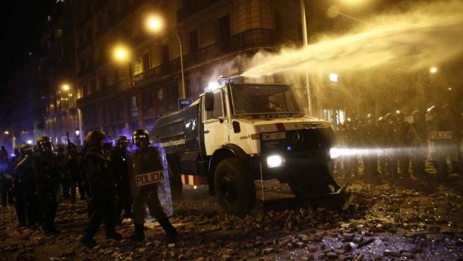 El Gobierno defenderá a policías y guardias civiles denunciados en Cataluña con la Abogacía del Estado