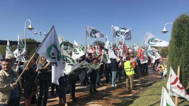 Protesta de trabajadores de Ambulancias Tenorio