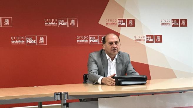 El portavoz parlamentario del PSdeG, Xoaquín Fernández Leiceaga, en rueda de prensa