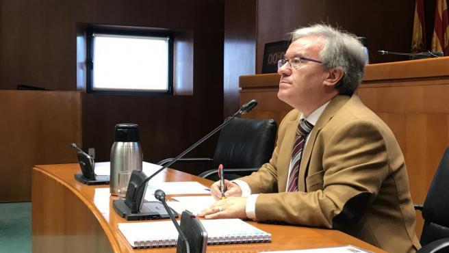 El Justicia de Aragón, Ángel Dolado, este lunes en las Cortes.