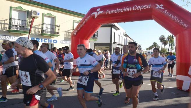 Corredores en la media maratón Palos-Cepsa.