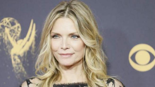 Mucho más normal es el trabajo que tuvo Michelle Pfeiffer antes de ser famosa, ya que fue cajera en un supermercado.